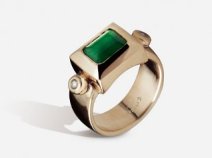 Emerald gold ring | TYVODAR®