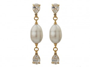 White pearl earrings | TYVODAR