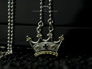 01 / Royal Crown - necklace made of silver