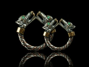 005 / Fenrir Wedding Bands (emerald / silver) - Viking ring with wolf heads - Silver Viking Wolf Head Ring Jewel Celtic Pagan Pagan Wolves Fenrir
