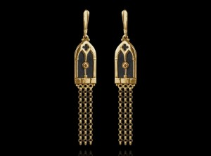 Gold gothic earrings | TYVODAR