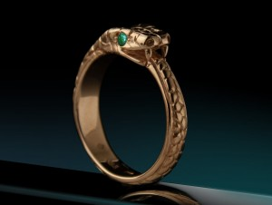 Emerald snake ring | TYVODAR