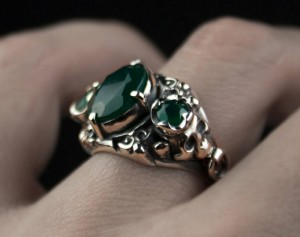 Kahlo - gothic skull silver ring, ring biomechanics, ring emerald green, Biomechanical and anatomical elements