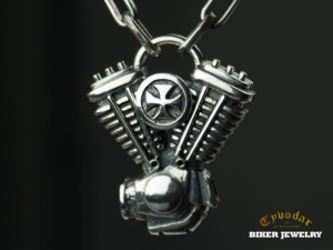 Chopper's heart - biomechanical Motor Pendant