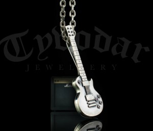 GIBSON - Necklace Gibson guitar silver, guitar necklace, guitar silver, guitar necklace, guitar pendant,