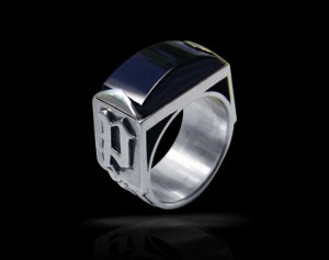 Nigrum adamas - Personalized ring black onyx / gothic silver ring / Personalized signet ring /Biomechanics / Giger / Black onyx