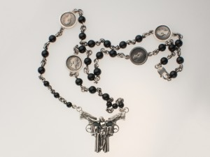 01 / Holy gun - Necklace made of brass silver-plated