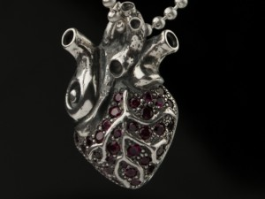 "Cor nigrum ""A""- Pendant gothic, black gothic heart, steampunk , anatomical gothic heart, biomechanical heart (1)"