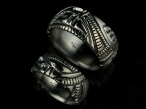 BLACK / GOLD 14K /- Biomechanical Wedding Bands, gothic gold ring, Anatomical ring / Steampunk / Biomechanics / Men ring/ Men gift