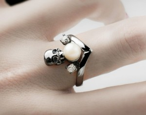 Albus margarita - gothic skull silver/ gold ring, skull ring women, skull ring, gothic ring, skull and pearl ring, ring, skull jewelry,