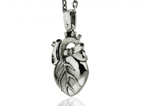 anatomical_heart_necklace.jpg
