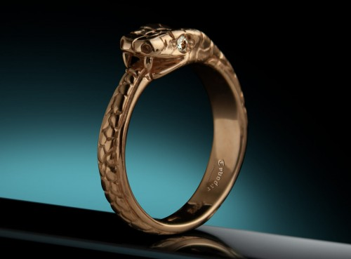 Diamond gold ring Jormungand.jpg